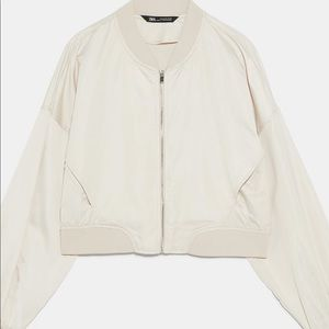 Cropped cream colored jacket